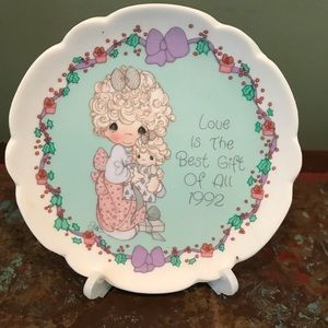 Precious Moments Plate 1992 Love Best Gift Of All